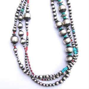 Necklaces/54inch_silver_beads3_1.jpg